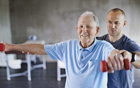 Người mắc bệnh Parkinson cần lưu ý gì khi vận động thể thao